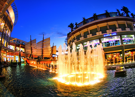 Private Shopping at JuncyLon  with Show + Buffet Dinner at Phuket Fantaesea