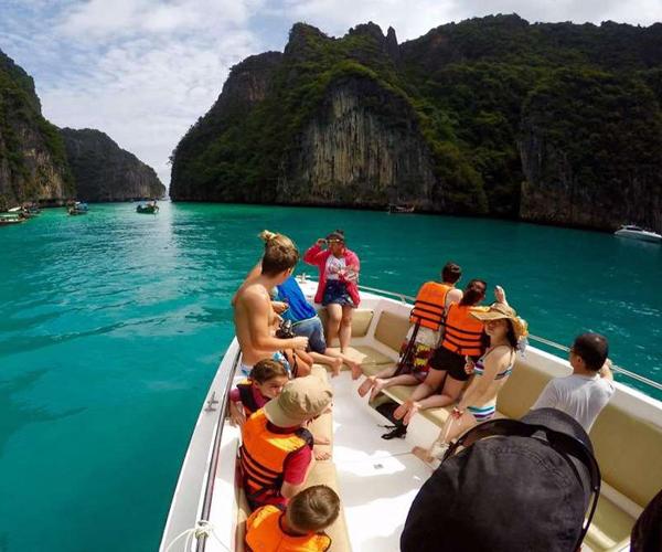 Phi Phi 2D1N by Speed Boat